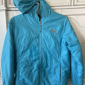 The North Face Reversible Girls Jacket for Sale in Wesley Chapel, FL