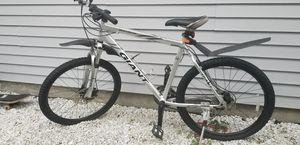 Bike Rock 5500 Giant. Japanese. And mini handed pump for Sale in Burien, WA