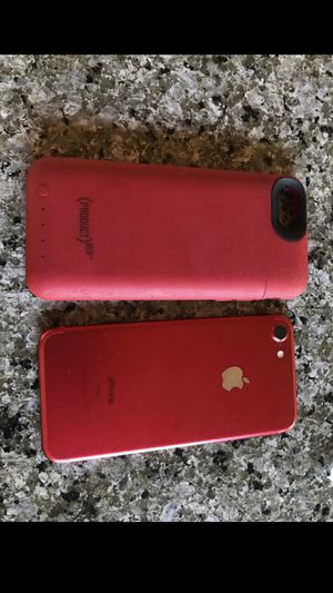 iPhone 7 128 unlocked with battery case for Sale in Lynnwood, WA