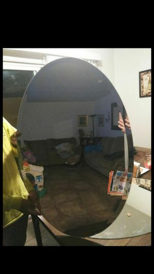 Oval shaped mirror for Sale in Fresno, CA