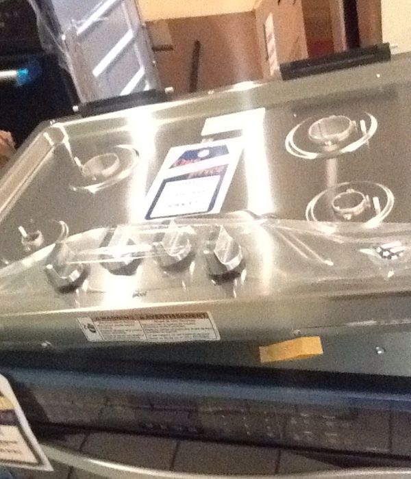 """New open box whirlpool gas 30"""" cooktop WCG55US0HS"""