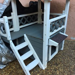 Cat House (Gray And White) for Sale in Pompano Beach, FL