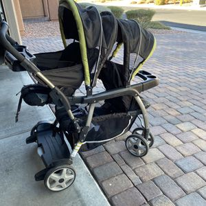 Double Stroller for Sale in Henderson, NV