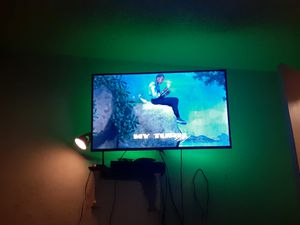 60 inch roku tv for Sale in Dallas, TX
