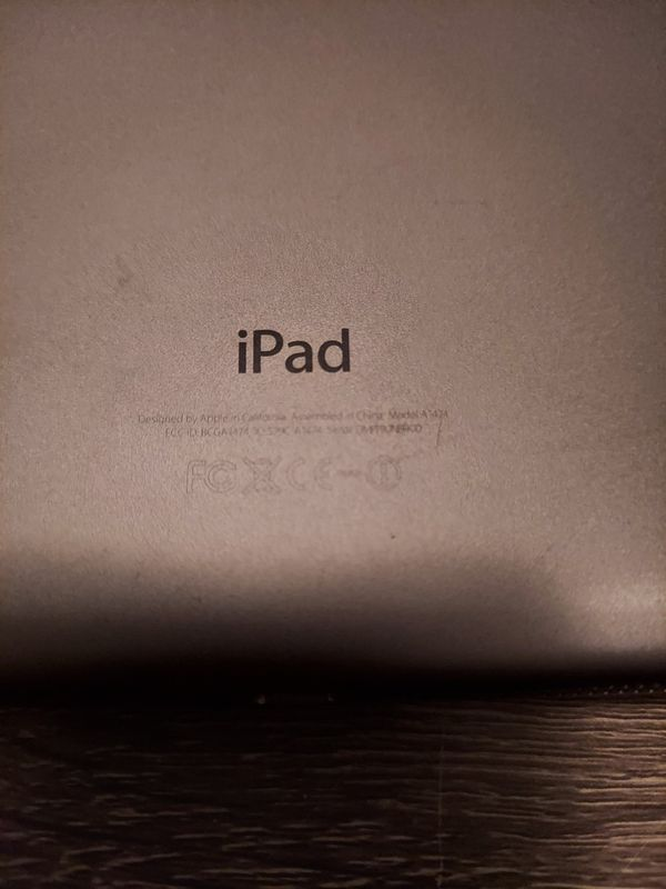 Apple iPad Air 1st Gen. 16GB Wi-Fi 9.7in Space Gray A1474 and Brookstone Keyboard Case Used