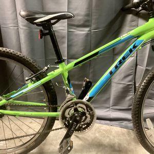 """Trek MT220 24"""" Wheel (Boy's or Girls Mountain Bike """"Youth"""" for Sale in Austin, TX"""