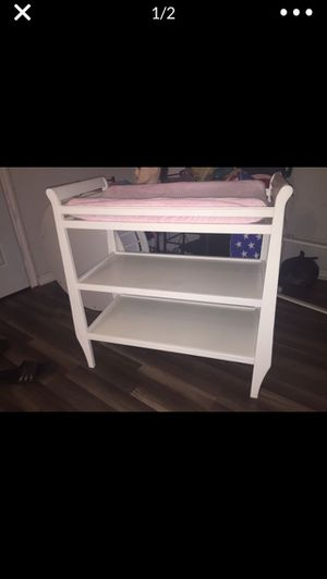 Changing table with pad and pad cover for Sale in Sebring, FL