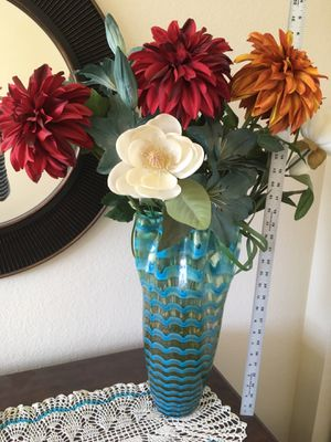 Vase and Flowers for Sale in Henderson, CO