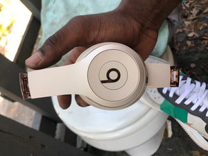 Beats Solo3 Wireless (Rose Gold) for Sale in Tampa, FL