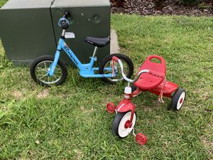 Balance bike SCHWINN and Radio Flyer Tricycles for Sale in Haines City, FL