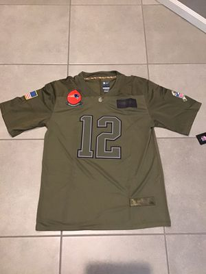 Men's New England Patriots Tom Brady Camo 2019 Salute To Service Limited Jersey for Sale in Northbrook, IL