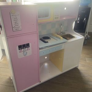 Free Kids Kitchen for Sale in Land O Lakes, FL
