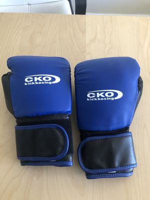 New boxing gloves 12onz for Sale in Miami, FL