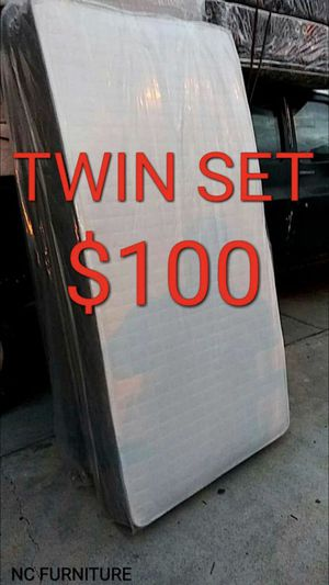 TWIN MATTRESS AND BOX SPRIMG for Sale in Inglewood, CA