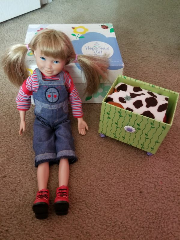 Retired american girl Logan (hopscotch hill school)