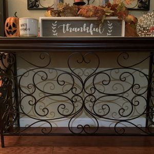 Entry Table 47L X 31H for Sale in Tulare, CA