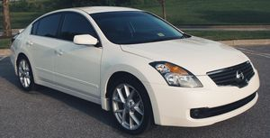 SUPER CLEAN AND CRYSTAL CLEAR PAINT 2007 NISSAN ALTIMA for Sale in Wichita, KS
