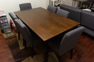 Dining Table and 6 chairs for Sale in Alexandria, VA