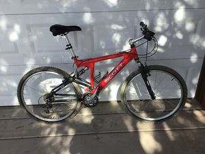 Scott 24 speed mountain bike like new for Sale in Pinetop-Lakeside, AZ