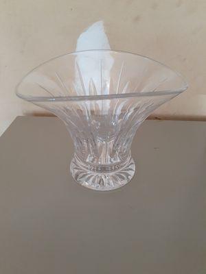 English stuart Crystal Vase for Sale in Watauga, TX