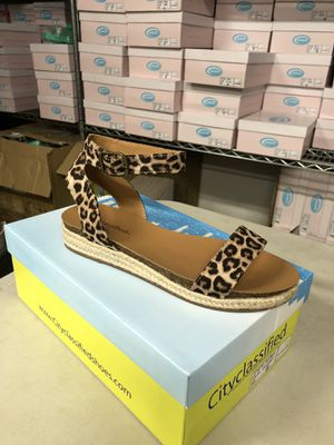 Woman's size 9 cheetah ankle strap flatform espadrille sandal for Sale in Corona, CA