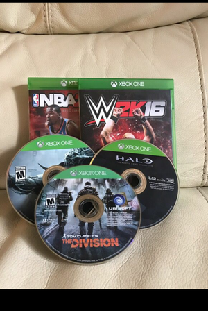 Good conditions use normal NBA 2k15 $20 /W 2k16 $30/ Halo $ 20/ for Sale in West Palm Beach, FL