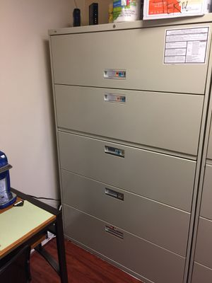 Hon file cabinet 5 drawer for Sale in Alexandria, VA