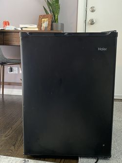 New Haier Mini Fridge for Sale in Chicago,  IL
