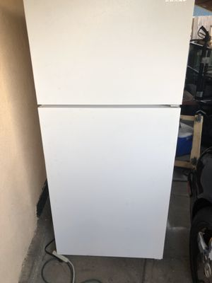 Refrigerator freezer for Sale in Inglewood, CA