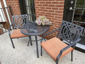 Outdoor table and chairs for Sale in Washington, DC