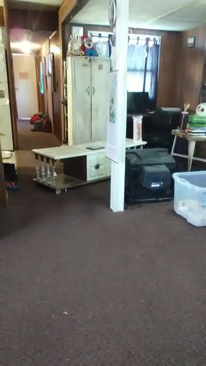 Free tv stand for Sale in Richmond, KY