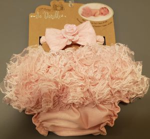 Bag of baby clothes newborn to 3 months for Sale in Chicago, IL