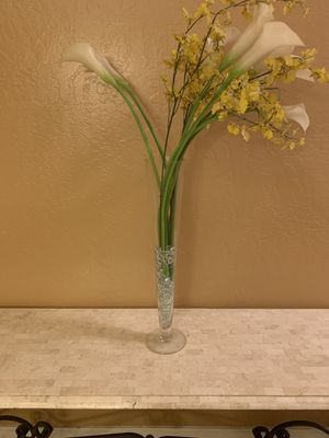 Tall decorative glass vase for Sale in Chandler, AZ