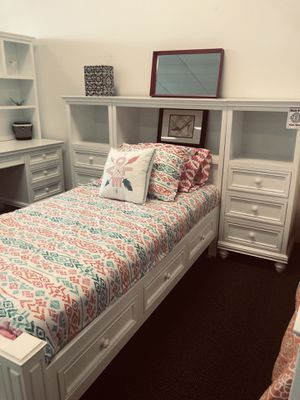 TWIN STORAGE BED for Sale in Laguna Beach, CA