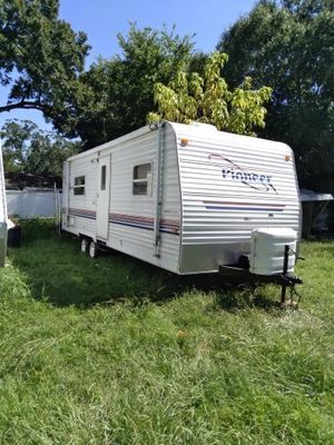 2005 24 foot pioneer travel trailer for Sale in Tampa, FL