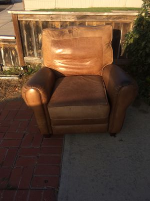 Reclining Leather Chair for Sale in Escondido, CA