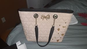Betsy Johnson purse great condition for Sale in WHT SETTLEMT, TX