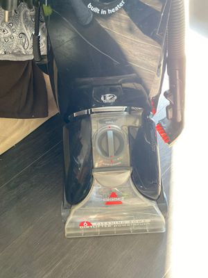 BISSELL ProHeat Essential Carpet Cleaner vacuum for Sale in Los Angeles, CA