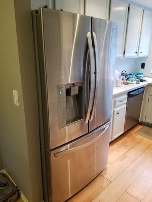 LG LFXS29766S Refrigerator for Sale in Escondido, CA