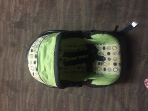 Baby Carrier/ Car seat for Sale in Silver Springs, FL