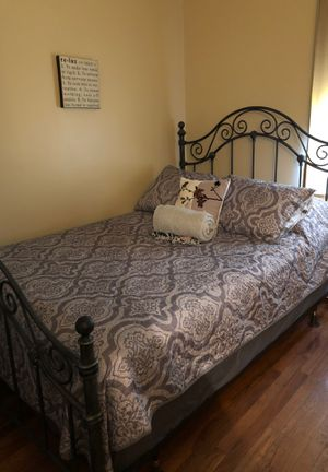 Bedroom set for Sale in Wolcott, CT