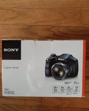 Sony Cybershot DSC-H300 20.1MP digital camera for Sale in Los Angeles, CA
