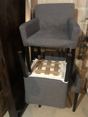 Dining table and chairs for Sale in Westerville, OH