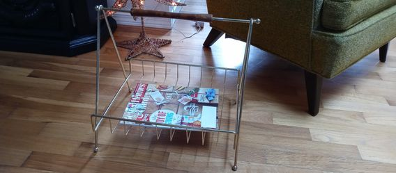 Mid century magazine rack for Sale in Puyallup,  WA