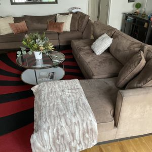 Brown Suede Sectional Couch for Sale in Marina del Rey, CA