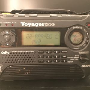 Voyager pro Survival Radio for Sale in Tulare, CA