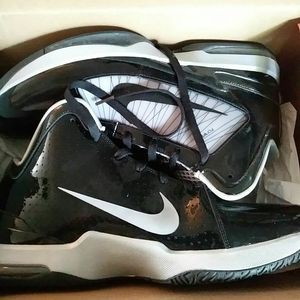 NIKE AIR MAX HYPERFLY SUPREMES for Sale in Raleigh, NC