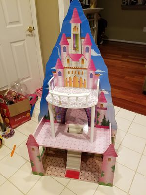 Princess and Ice Castle Doll House for Sale in Alexandria, VA