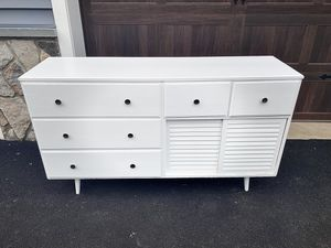 Dresser / server table for bedroom, kitchen, or bar area! FRESH painted & NEW knobs! YOU CAN PICK UP TODAY! for Sale in Mahwah, NJ