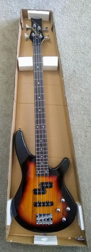 Bass Ibanez, electric bass guitar full size for Sale in Damascus, MD